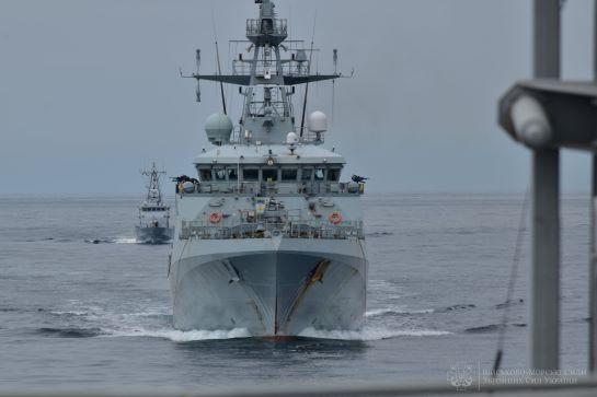 ВМС України та Великобританії провели спільні військові навчання у Чорному морі