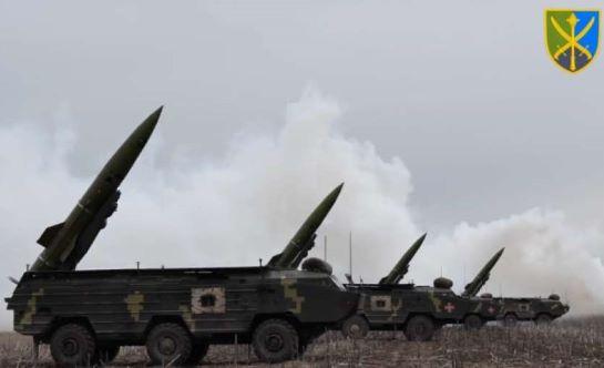 На межі з окупованим Кримом ЗСУ випробували потужні тактичні ракетні комплекси
