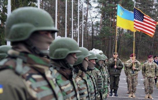 """Білий дім заявляє: повідомлення ЗМІ про нібито """"припинення"""" поставок зброї США Україні – вигадка"""
