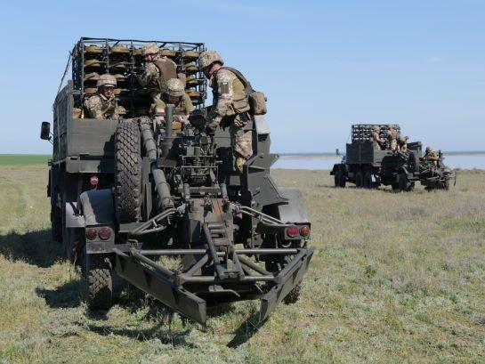 На межі з окупованим Кримом сапери тренувалися встановлювати міни