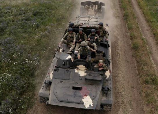 На півдні країни і в зоні ООС на сході проведено танкові й артилерійські навчання